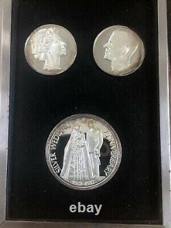 1972 25th Wedding Anniversary Queen Elizabeth + Prince Philip silver coin set