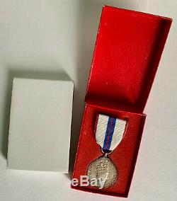 1977 Canada Queen Elizabeth II Silver Jubilee Boxed Medal