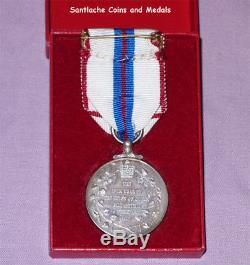 1977 Official Queen Elizabeth II Silver Jubilee Medal Boxed