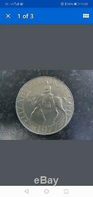 1977 Queen Elizabeth II DG REG FD Jubilee Crown Sterling Silver Coin Medalion