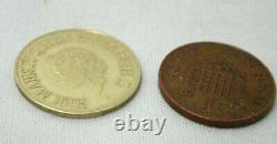 9 carat Gold Queen Elizabeth II Silver Jubilee 1977 Commemorative Coin