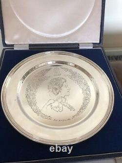 Collectable Cased Queen Elizabeth II Solid Silver Jubilee Dish 1977(london 1977)