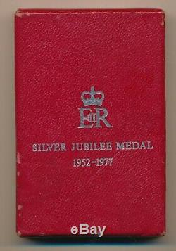 Great Britain Queen Elizabeth Silver Jubilee Medal 1977 in box of issue