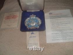 Limited Edition Queen Elizabeth II Silver Jubilee 1977 RAC Car Badge, 796/1000