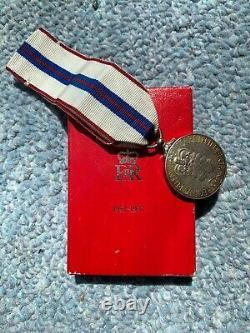 Original Boxed Canadian Queen Elizabeth II Jubillee Medal 1977, Silver
