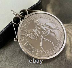 Queen Elizabeth II 1977 Commemorative Silver Jubilee Coin Pendant Very Rare
