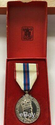 Queen Elizabeth II Silver Jubilee Medal, 1977