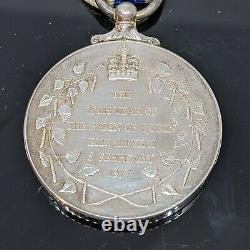 Queen Elizabeth II Silver Jubilee Medal perfect condition in original box