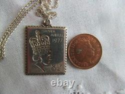 Silver Jubilee Queen Elizabeth Sterling Stamp Pendant & 35 Chain 15.3 grams VGC