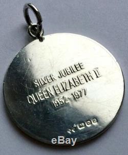 Superb Queen Elizabeth II Silver Jubilee Sterling Silver Medallion / Pendant