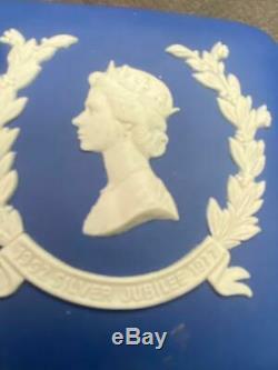 Vintage Wedgwood Jasperware Pair Boxes Queen Elizabeth II Silver Jubilee & Duke