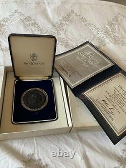 Wedgwood 1977 Queen Elizabeth Silver Jubilee Medallion Coin Black Basalt