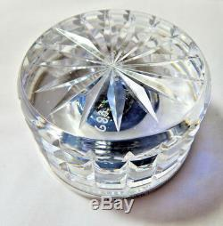 Wedgwood Queen Elizabeth II Glass Paperweight HM Silver rim 1977 Cameo LE Boxed