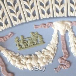 Wedgwood Queen Elizabeth II Silver Jubilee 5 Colour Jasperware Plate Boxed